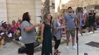 "Download Lagu Karen Peck and New River singing ""Four Days Late"" in Jerusalem 2017 Mp3"
