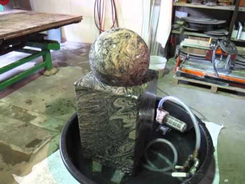 Kugelbrunnen 40 cm Ø, Granit Jurassic-Pink, Deutsche Herstellung!