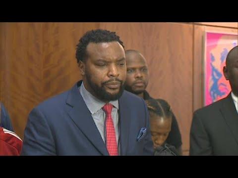 Attorney Lee Merritt calls for termination of Officer Amber Guyger
