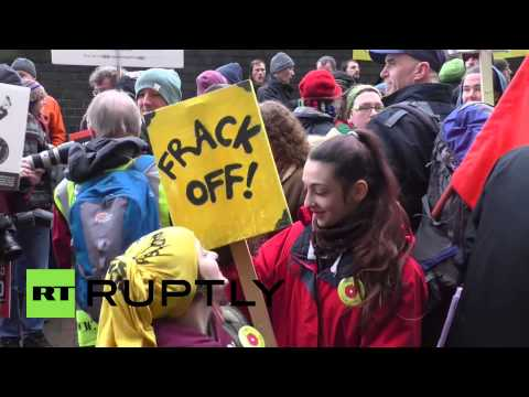 UK: Happy Mondays' Bez joins hundreds in anti-fracking protest