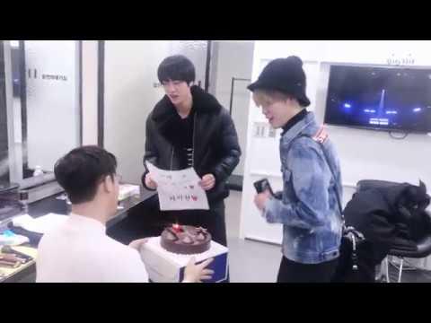 [EPISODE] Lee Hyun '다음이 있을까' comeback surprise party - Thời lượng: 3 phút, 36 giây.
