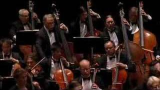 Philip Glass' Cello Concerto - La Jolla Symphony And Chorus