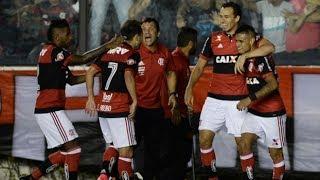 Num jogo marcado por uma grande confusão após o apito final, com brigas, bombas e até tiros, o Flamengo deu fim a um longo jejum neste sábado. O Rubro-Negro ...