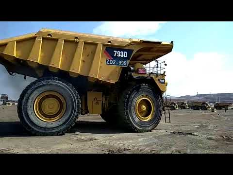 Caterpillar CAMIOANE PENTRU TEREN DIFICIL 793D equipment video 2J4rwJ-TPNQ