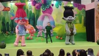Nonton Dec 2016 Trolls The Movie Characters Live  Takashimaya Singapore Film Subtitle Indonesia Streaming Movie Download