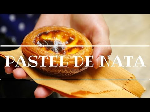 Pastel de nata - Eating Portuguese Egg Tarts in Lisbon