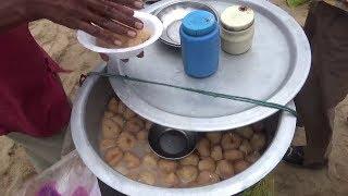 Video People Eating Fast Food and Enjoying Sea Beach | Indian Street Food at Puri Beach Orissa MP3, 3GP, MP4, WEBM, AVI, FLV Juni 2018