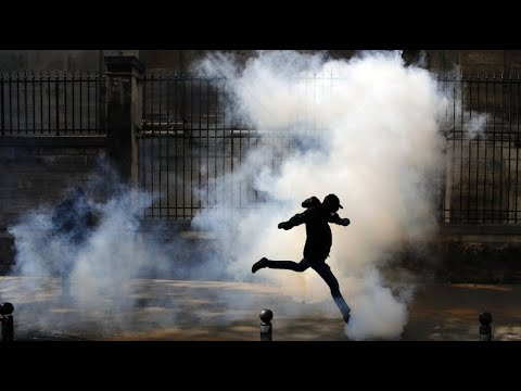 Gewaltsame Ausschreitungen bei Demonstrationen gegen Ma ...