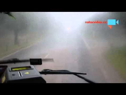 Cesta v autobuse v silné bouři 2