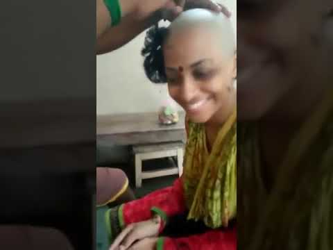 Indian Women Head Shave || With Razer || At Tirupati Southern Part Of India HD
