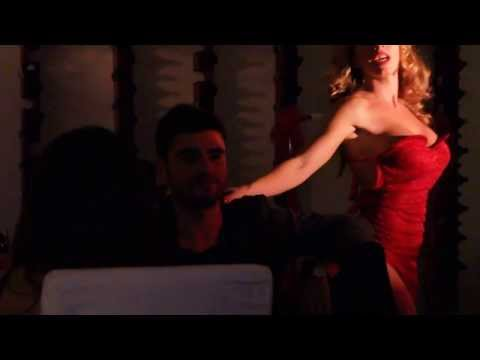 Barberio - Spettacolo Burlesque di Lady Marilù al Vinarius di Monopoli (Bari). Uno show imperdibile..