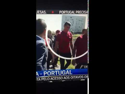 Ronaldo throws journalist's mic into a pond