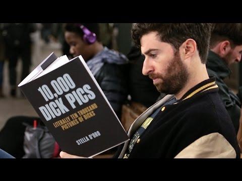 VIRÁL: Šokoval falešnými knihami a stal se hitem internetu!