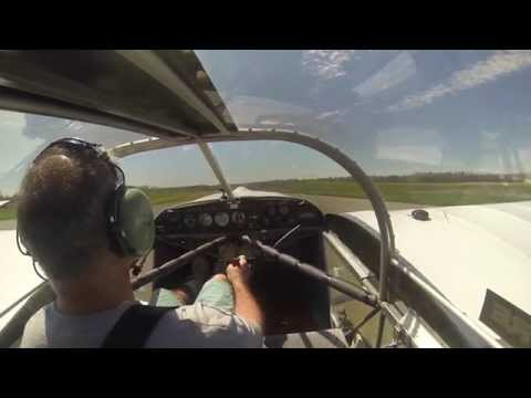 Pilot loses prop mid-air and makes a dead stick landing