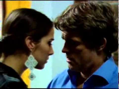 Malparida - Renata hace el amor con el Almirante:  Escena correspondiente al capítulo 117.
