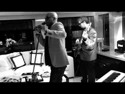 Groov Collectiv band feat Soul Singer Bobby Alexander