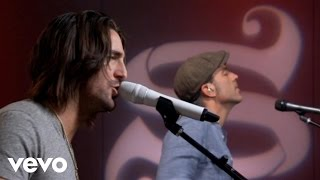 Music video by Jake Owen performing Alone With You (AOL Sessions). Copyright 2011 Sony Nashville.