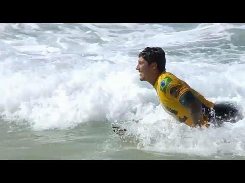 Surfen: Gabriel Medina (Brasilien) ist Weltmeister im ...