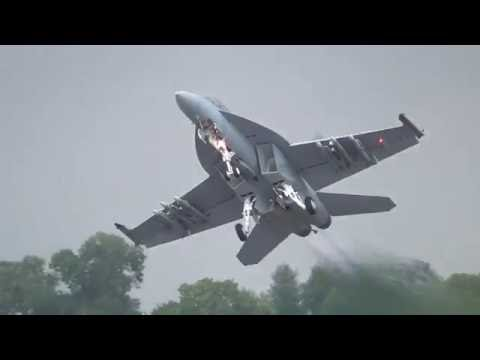 RIAT 2016  US Navy Boeing F/A-18E/F...