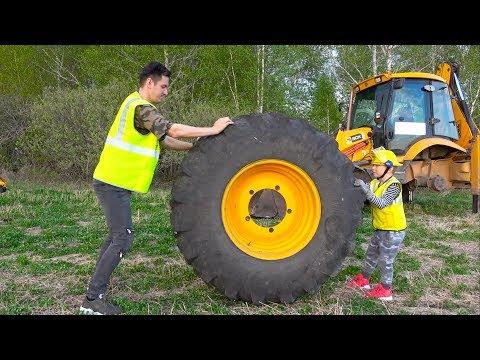Сеня Помогает Починить Сломанный Трактор