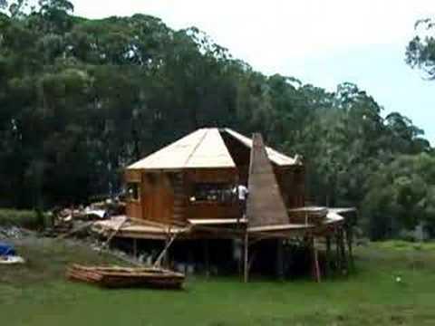 0 Uma casa de bambu em três dias