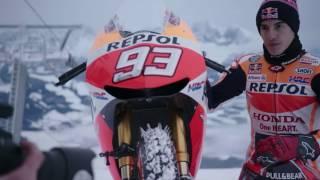 Video MotoGPマシン×雪山。マルケスがあり得ないデモランを実施 MP3, 3GP, MP4, WEBM, AVI, FLV Oktober 2018