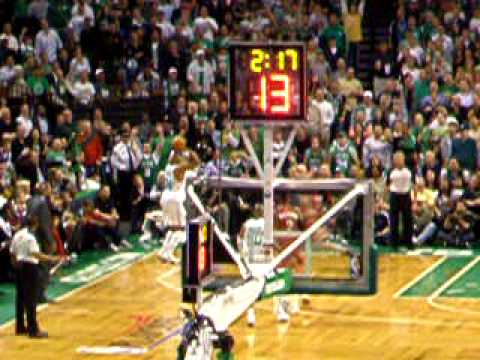 2010 NBA Playoffs: Celtics vs. Cavs - LeBron turnover leads to Pierce's 3!