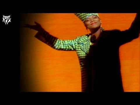 Queen Latifah - Fly Girl (official Music Video)
