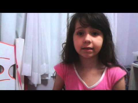 Garotinha de 5 anos ensinando como emagrecer