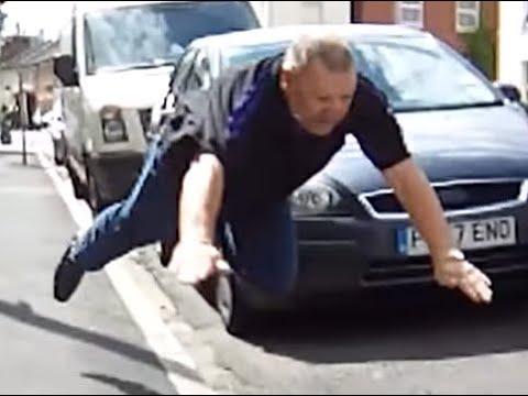 Karma instantáneo para este conductor enfurecido