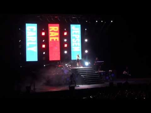 "Carly Rae Jepsen Performing ""This Kiss"" Live"