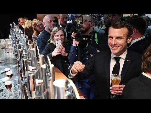 Frankreich: Präsident Macron will mit Gelbwesten sp ...