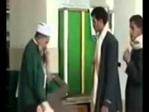 الحوثيون يقبلون أقدام سيدهم
