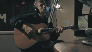 Oscar Dowling performs 'Ease My Passing' live in the bFM studio for Freak The Sheep's Live and Direct. Listen to Freak The Sheep every Wednesday between 9PM-11PMhttp://www.95bfm.com/show/zac-arnold#profile-show_detailsVideo: Benjamin Zambo, Adam JacobsonThis video was made with support from NZ on Air Music