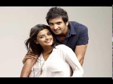 Santhanam teaches business secret to Aashna Zaveri