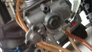 10. Husqvarna TE510 2007 Carburetor removal Part 6