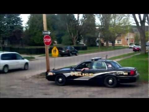 Lazy cop caught on camera.flv