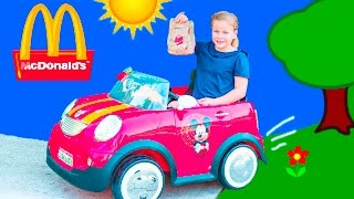 MCDONALDS Drive Thru Delivery Assistant Delivers Fast Food to Mickey Mouse and Donald Duck