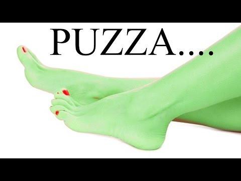perché puzzano i piedi?