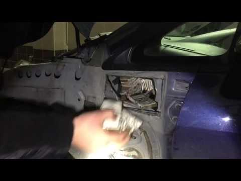 На Волині контрабандист хотів провезти в автівці 250 пачок цигарок [ВІДЕО]