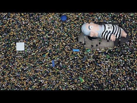 Βραζιλία: Πάνω από 3 εκατομμύρια διαδηλωτές κατά της προέδρου Ντίλμα Ρούσεφ