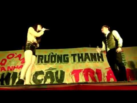 Lâm Chấn Khang đòi hôn SaKa Trương Tuyền trước khán giả