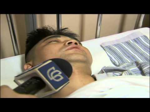 Hombre pierde pie por accidente en escaleras eléctricas