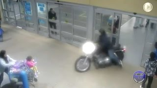 http://www.viralquickies.comA man in Surrey, British Columbia drives his motorcycle down the escalator and through the mall before exiting and leading police on a high speed pursuit.This dramatic video recently released by the Royal Canadian Mounted Police shows the motorcyclist who failed to stop for police.https://www.facebook.com/viralquickiespagehttp://www.twitter.com/viralquickiesVisit our blog: http://viralquickies.blogspot.com  Viral Quickies backup channel: http://www.youtube.com/user/ViralQuickiesVideosOfficial Site: http://www.viralquickies.com