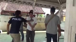 Video Polisi Mewek Saat Kepergok Melakukan Pungli MP3, 3GP, MP4, WEBM, AVI, FLV Januari 2019