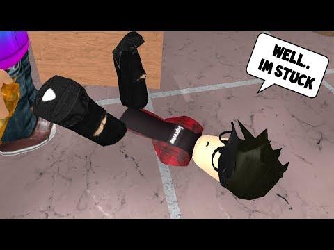 LOL! PLAYER GETS STUCK IN FLOOR! (Roblox Murder Mystery 2)