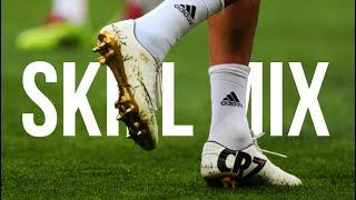 Ultimate football Skills 2017 - Skill Mix ft. CR7 BALE MESSI NEYMAR HAZARD POGBA SANCHEZ DYBALAVideo Editor ➢ All FootballProgram ➢ Adobe Premiere Pro CC 2015FACEBOOK ➢ https://www.facebook.com/AllFootball99/INSTAGRAM ➢ allfootball28Song ➢ Egzod - Paper Crowns (feat. Leo The Kind) [NCS Release]Packy - Hella Straight