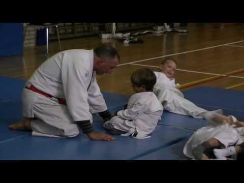 kikeadventure - Judo receiviing instructions from the Grand Master (видео)