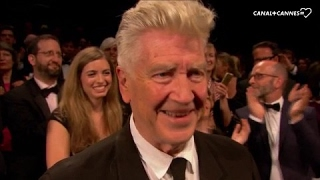 Video Standing ovation pour David Lynch - Festival de Cannes 2017 MP3, 3GP, MP4, WEBM, AVI, FLV Mei 2017