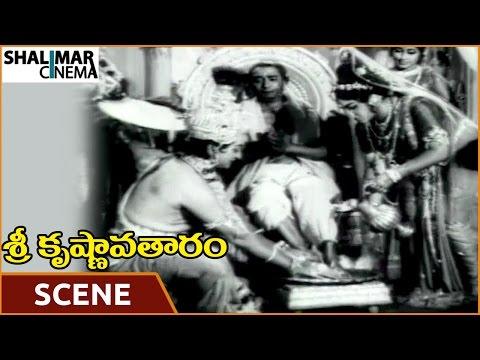 Video Sri Krishnavataram Movie || Krishna Cleaning the Feet of Sudama || NTR, Devika || Shalimarcinema download in MP3, 3GP, MP4, WEBM, AVI, FLV January 2017